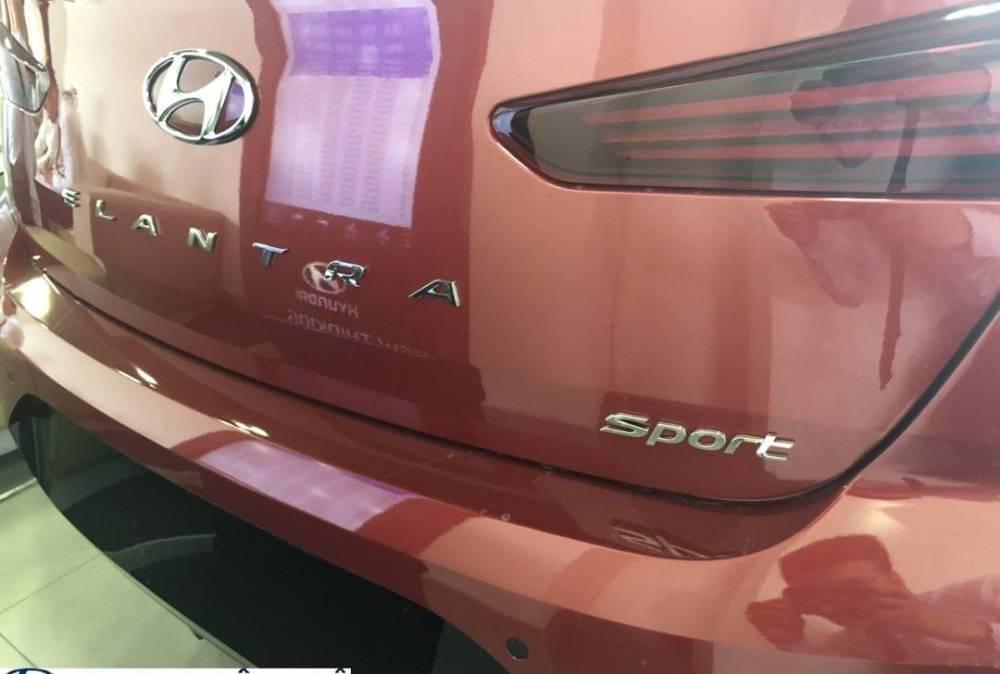 duoi-xe-Elantra-Sport-2019