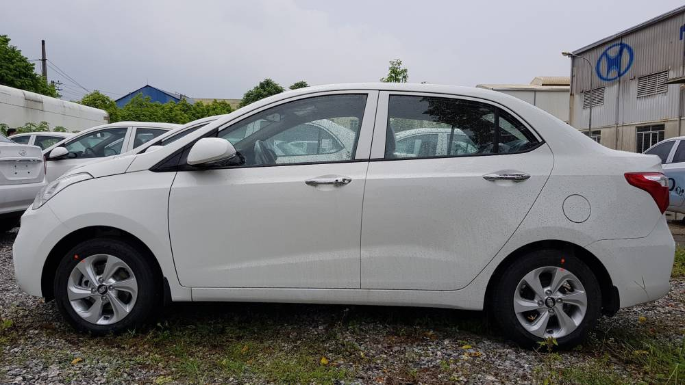 huyndai-grand-i10-sedan-mt-2018-2