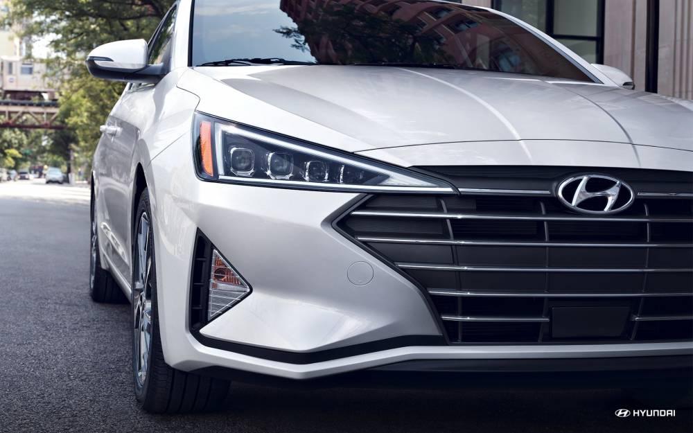 Nan lưới tản nhiệt Hyundai Elantra 2019