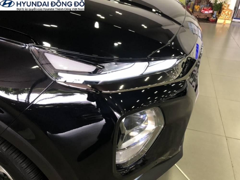 Đèn pha của Hyundai Santafe máy dầu 2019