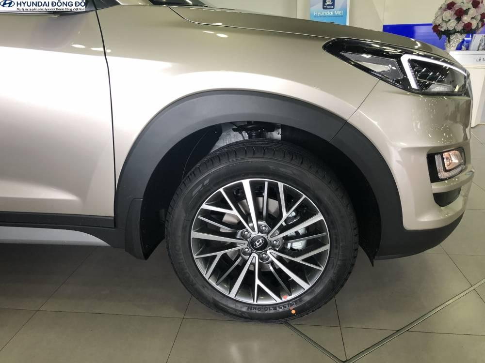 Hệ thống phanh đĩa trên bánh xe Tucson 2019 bản đặc biệt