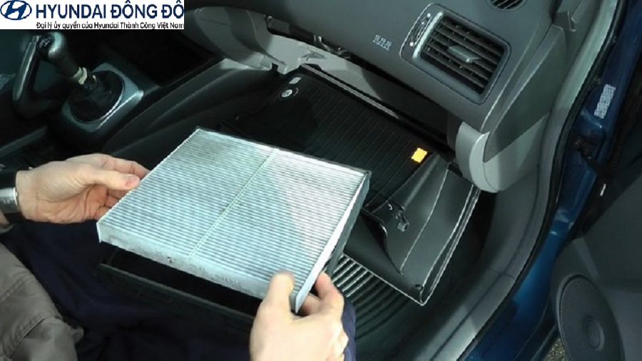 Vệ sinh lọc gió điều hòa Hyundai
